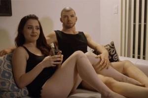 Известная порнозвезда переспала с куклой