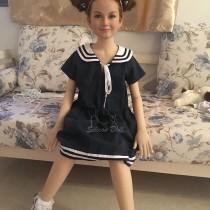 Маленькая кукла для секса Лармина